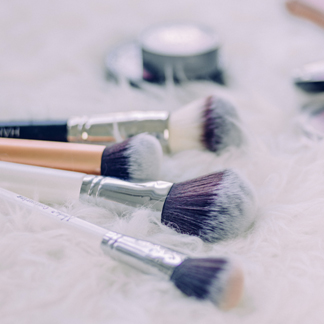 Les indispensables du make-up pour les novices